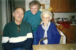 Bill & me with Mom at the hospice late 1991